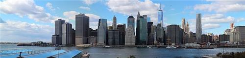 Manhattan skyline as viewed from Brooklyn Heights Promenade